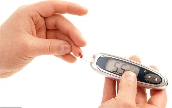 糖尿病人要想控制好血糖,这五个习惯一定要养成